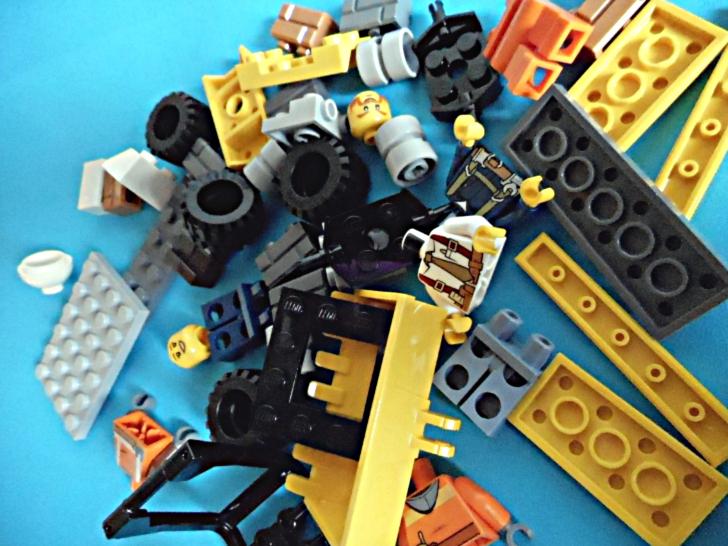 レゴ シティ 解体工事スタートセット 60072 パーツ2