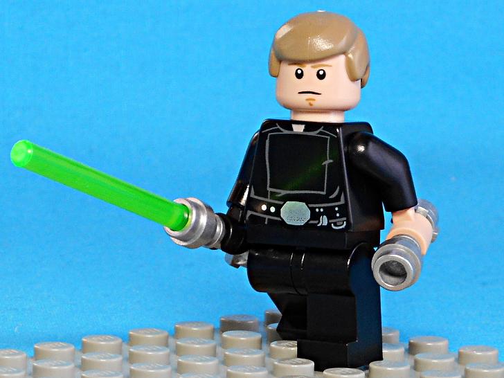 レゴ 75146 ルーク・スカイウォーカーとライトセーバー