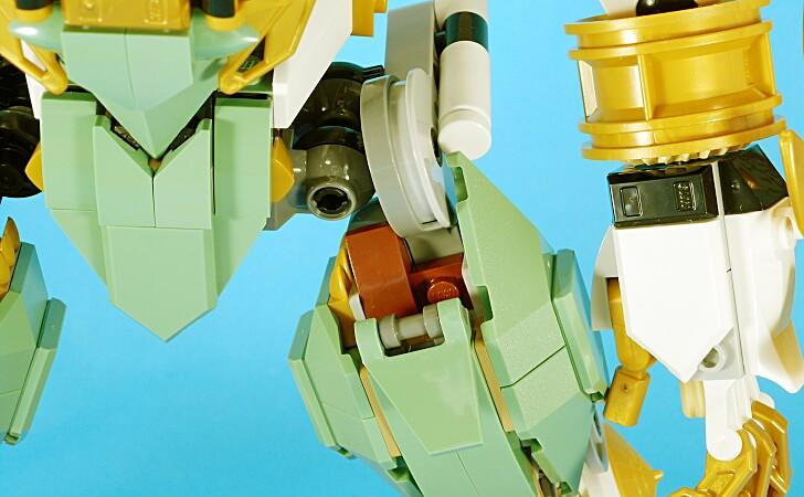レゴ 巨神メカの大腿部
