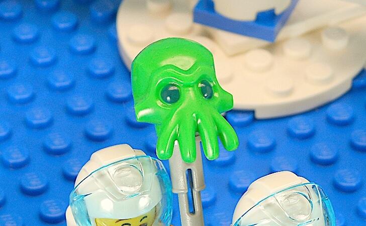 緑色の顔をした生き物