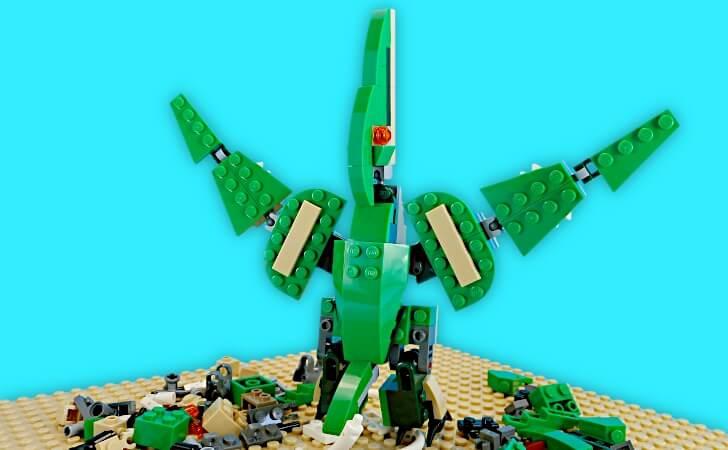 木の巨人風のレゴ プテラノドン