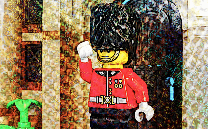 lego-5005233-exclusives-hamleys-royal-guard-minifigure-review