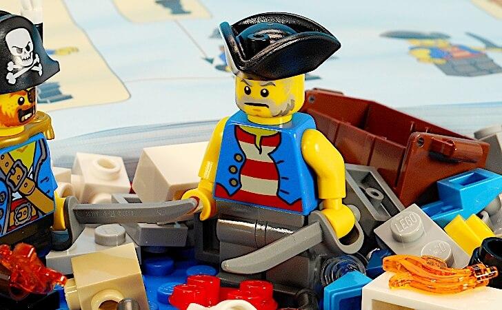 三角帽子を被った海賊